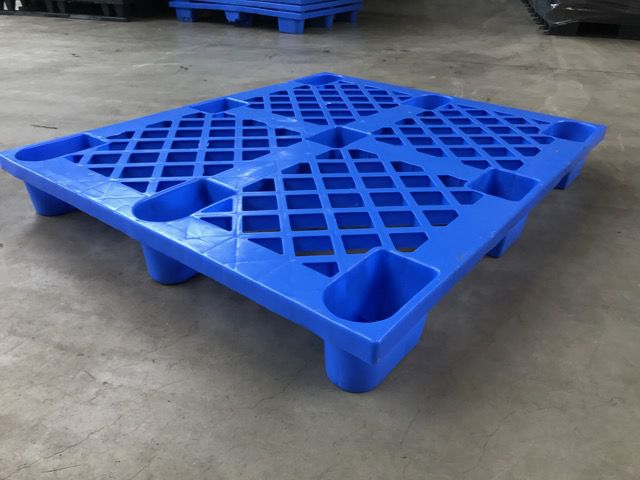 Used plastic pallet : 1200x1000mm blue