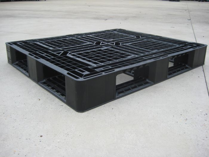 Second-hand plastic pallet